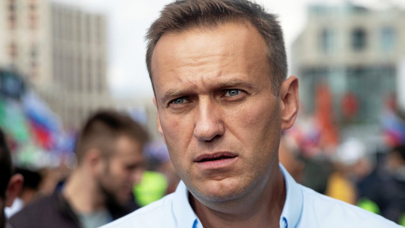 "Alexei Navalny poisoned?  Doctors find ""deadly drug"" in Putin's opponents"